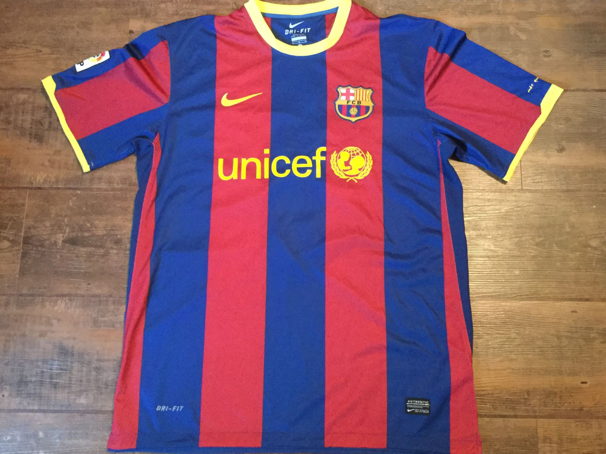 79f4a0a6b15 Global Classic Football Shirts | 2010 Barcelona Messi Old Vintage Soccer  Jerseys
